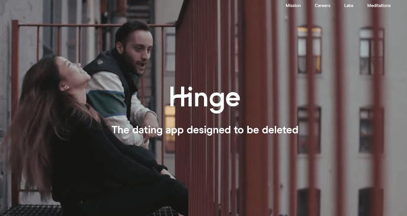 Screenshot der Hinge Landing Page von einem Paar